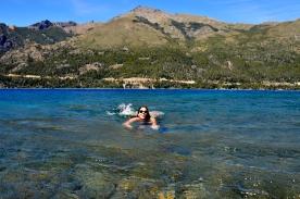 Renato Weil/A Casa Nômade- 2017.EL Bariloche-AR.Caiaque na lago gutierrez