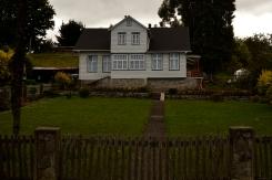 Renato Weil/A Casa Nômade- 2017.Frutillar-CL.Vulção Osorno.Casas estilo alemão